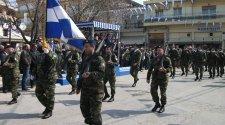 Ο Ευριπίδης Στυλιανίδης στην παρέλαση στις Σάπες